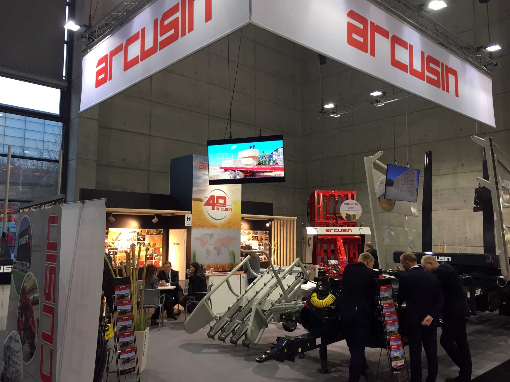 Arcusin hace gala de su capacidad de gestión de pacas